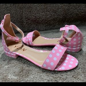 Super cute pink and white polka dot low heels!